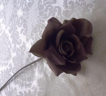 Růže tmavě hnědá látková MH91813